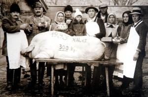 Korabeli disznóvágás 1933-ból